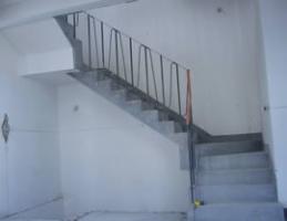 楼梯中间怎么放万博安卓版 - 有神器解决